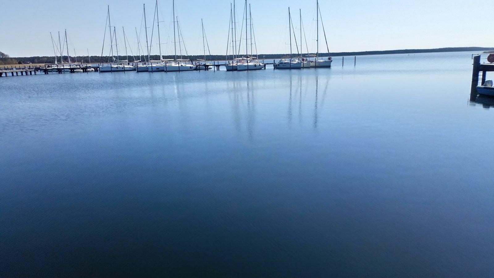 Hafen Breege.JPG
