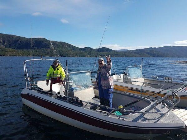 Thomas und Peter bereit zum Seehechtangeln