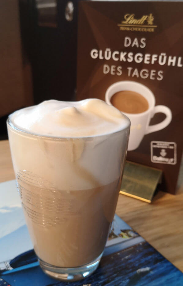 Milchkaffee mit Schaum auf der Gastro IventBremen